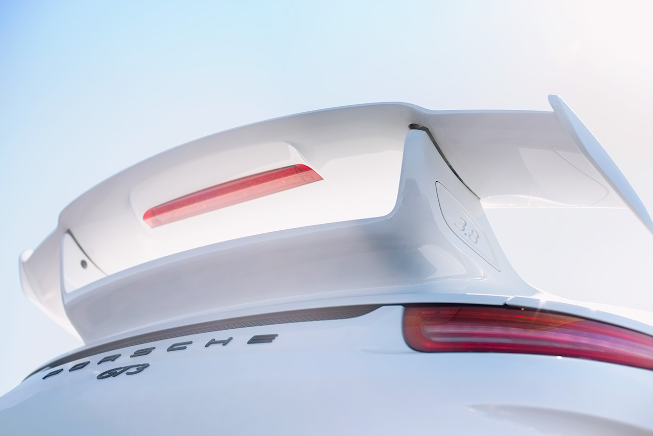White Porsche 991 generation 911 3.8 GT3 RS Wing
